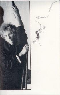 19850908-the-head-tour-book-uk-013
