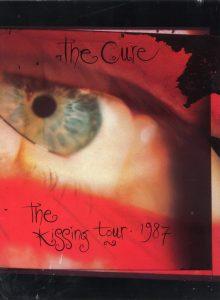 19871022-the-kissing-tour-book-uk-001